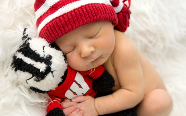 Milwaukee newborn photographer captures beautiful Wisconsin Badgers baby boy session