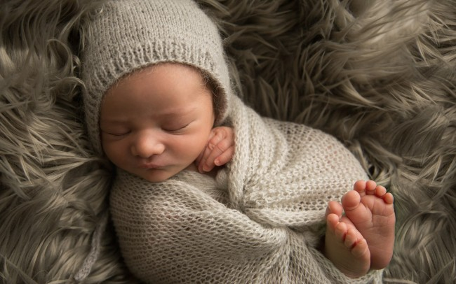 Gorgeous newborn boy images shot by award-winning Wisconsin photographer Julie Collins Photography