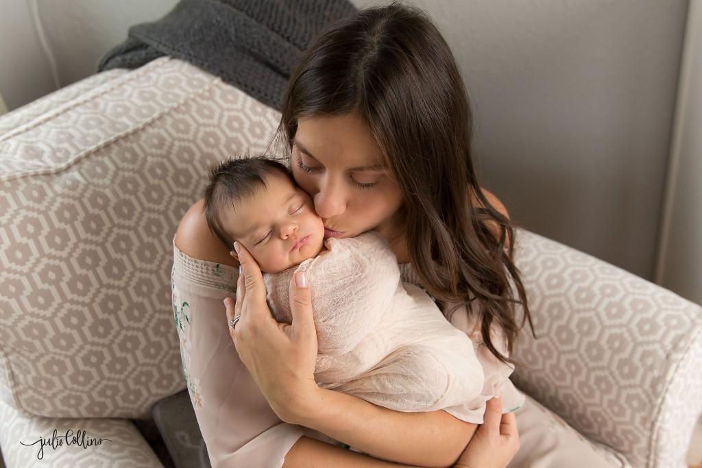 Lifestyle newborn photographer Milwaukee Wisconsin