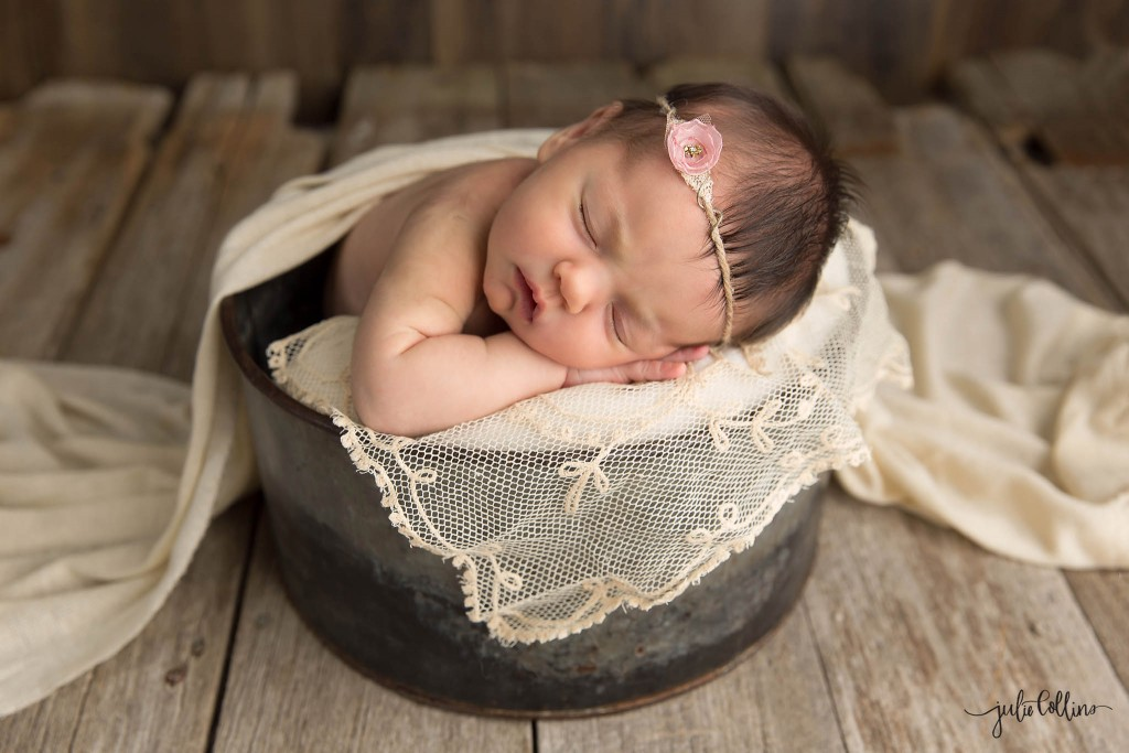 Best newborn photographer Wisconsin Dousman