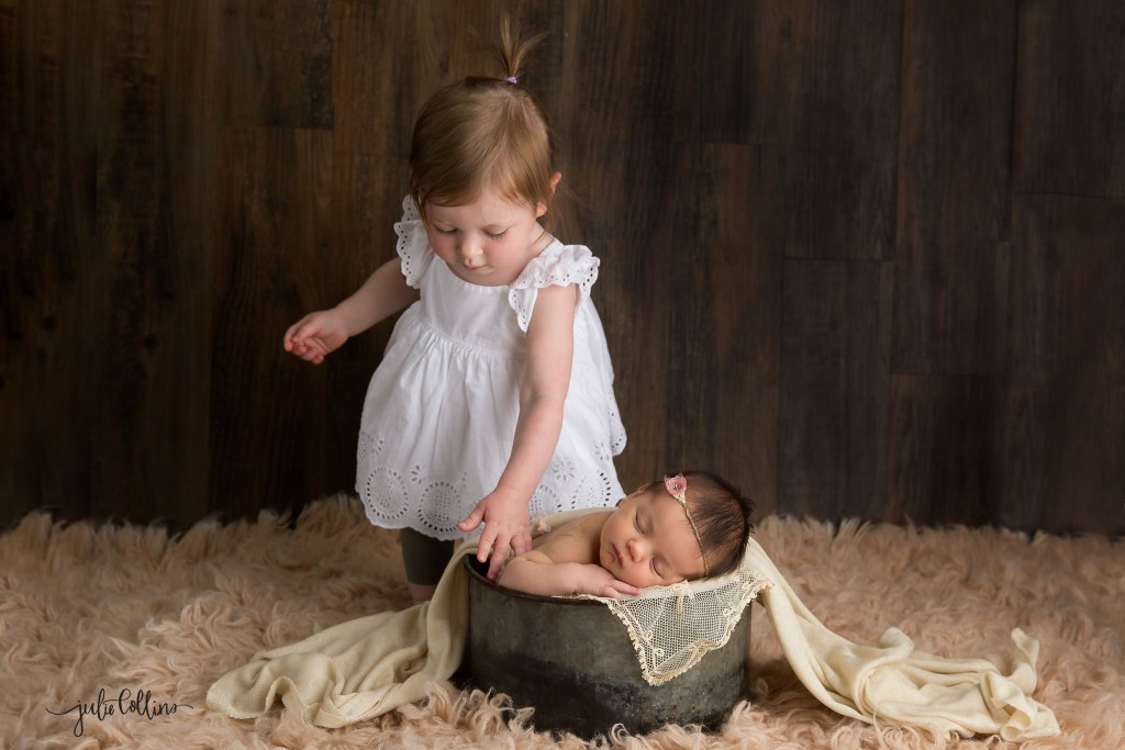 Best Milwaukee newborn photographer Wisconsin
