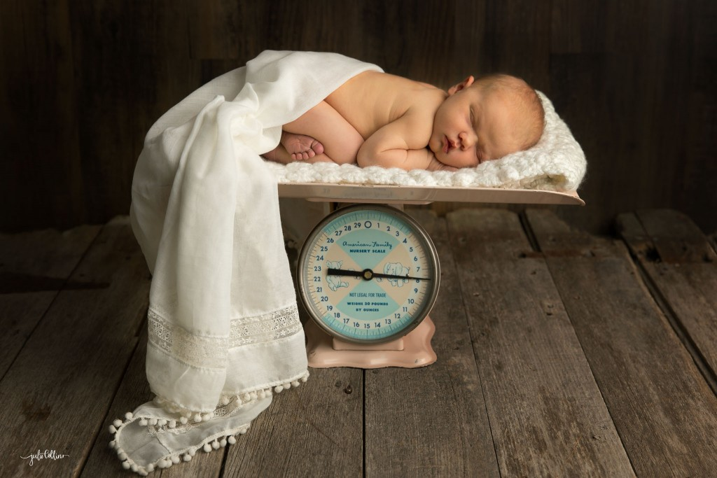 Wisconsin newborn photographer