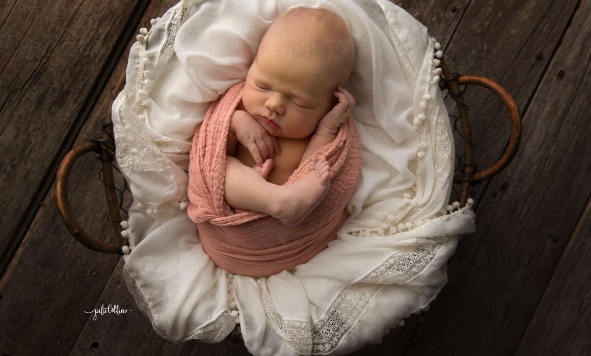 Oconomowoc newborn photo session