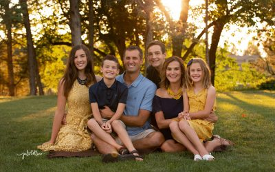 What to Wear for Your Family Portraits This Summer