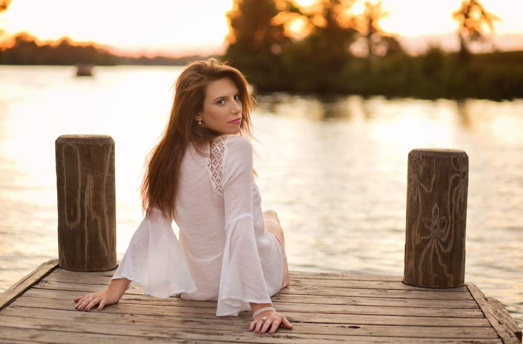 Lake country senior photographer Julie Collins shares her most asked questions about senior portraits