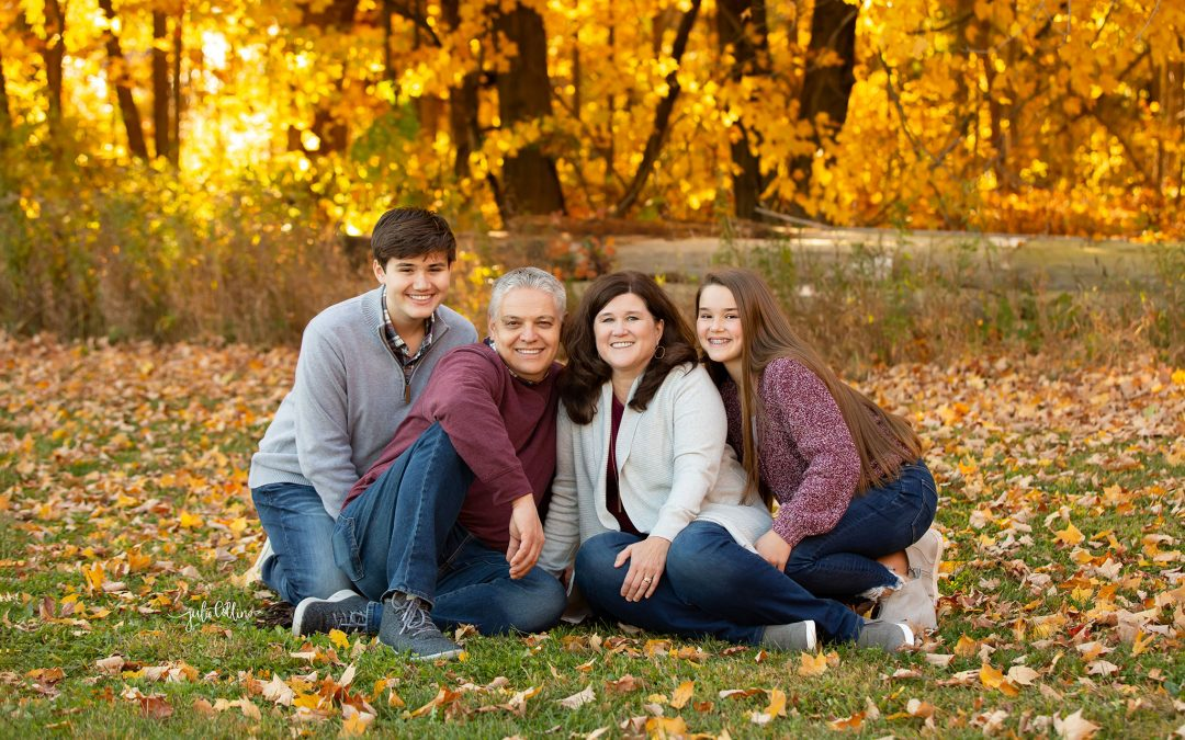 What to Wear for Your Fall Lake Country Family Portraits